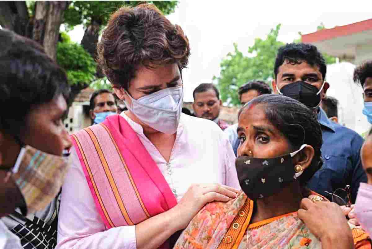 priyanka gandhi in lakhimpur khiri